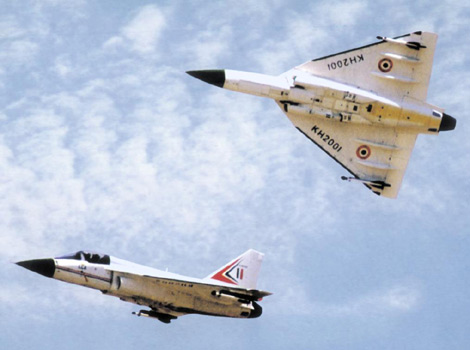 Tejas Light Combat Supersonic Fighter. 1.Specifications:
